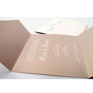Τρίπτυχη Πρόσκληση Γάμου με Μπλε Λεπτομέρειες