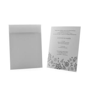 Υπόλευκη Πρόσκληση Γάμου με Vintage Λουλούδι